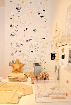 un univers de rêve avec en toile de fond les dessins de Marie Caulliez