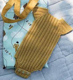 Få strikkeopskriften her. Få strikkeopskriften her. Knitting For Kids, Baby Knitting Patterns, Baby Patterns, Free Knitting, Vintage Patterns, Knit Vest Pattern, Romper Pattern, Crochet Pattern, Drops Baby