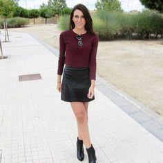 Blogger @alejandrablazquez with our skirt. Find it in http://www.okeysi.com/products/4545-95-falda-mini-talle-alto.aspx