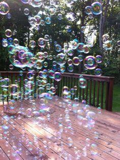 Need to get a little bubble machine. Bubble Fun, Bubble Magic, Bubble Machine, Bubble Balloons, Soap Bubbles, Frozen Bubbles, Blowing Bubbles, Water Droplets, Ballon
