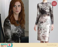 Donna's grey long sleeved floral dress on Suits.  Outfit Details: http://wornontv.net/30563/ #Suits