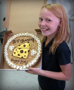 giant chocolate chip cookie with cake mix