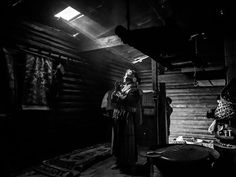 Standing in the Light #NationalGeographic #lightgear #fotografia #fysh #anthropos
