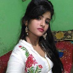 Local Girl Photo, Dehati Girl Photo, Cute Little Girl Dresses, Cute Girl Pic, Beautiful Girl Indian, Beautiful Girl Image, Village Girl Images, School Girl Pics, Girl Pictures
