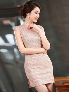 Short Lace Qipao / Cheongsam Dress Red Chinese Dress, Chinese Gown, Chinese Dresses, Vietnamese Traditional Dress, Traditional Dresses, Traditional Chinese, Pretty Babe, Cheongsam Dress, Flower Dresses