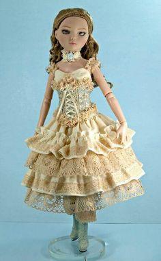 OOAK dress for Ellowyne Wilde Seamstress Unknown