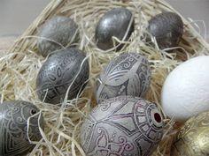 TRAVLENKI, etched chicken eggshell, design by GOPA 2015 No12