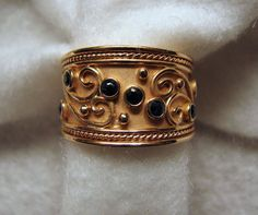 Variation on a theme. 14k Yellow Gold/Sapphire ETRUSCAN Band Ring