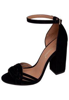 143649641 Amo sandálias de salto grosso, pra mim a estabilidade ao andar é outra!  Sapatos
