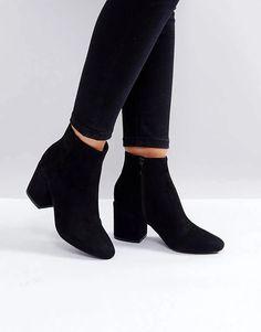 Block Heel Ankle Boots, High Heel Boots, Black Ankle Boots, Shoe Boots, Fashion Boots, Sneakers Fashion, Motorcycle Boots Outfit, Sneakers Mode, Sneaker Heels