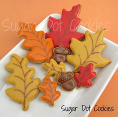 Sugar Dot Cookies: Thanksgiving Sugar Cookies with Royal Icing Glaze (cookie decorating icing heart) Leaf Cookies, Fall Cookies, Cut Out Cookies, Iced Cookies, Cupcake Cookies, Cupcakes, Thanksgiving Cookies, Christmas Cookies Gift, Thanksgiving Ideas