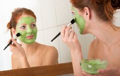 dry skin is one of the beauty problem. How to get rid of the dry skin? you can get away from the dry skin with the help for some homemade face packs and face masks. Here you can find the homemade face packs for dry skin. Homemade Facial Mask, Homemade Facials, Homemade Masks, Facial Diy, Spa Facial, Facial Care, Beauty Care, Diy Beauty, Beauty Hacks