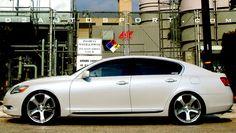 Lexus GS 350 Pearly white.
