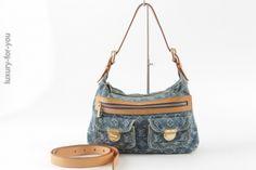 Louis Vuitton *Baggy* PM Denim in Blau M95049