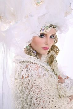Russian bride in Boho style Boho Fashion, Girl Fashion, Russian Wedding, Asia Girl, Central Asia, Bride, Studio, Boho Style, Villa