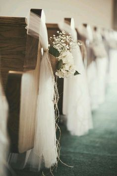 Pew decorations wedding tulle baby's breath