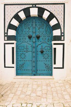 Airguitaringpenguin (deviantart) Tunisian door