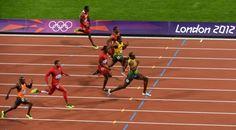 Agosto 5 de 2012 - Usain Bolt (der) ganó la final de los 100 metros planos, la llamada prueba reina del atletismo, donde además logró récord olímpico. (AFP/VANGUARDIA LIBERAL)