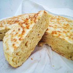 Rosa, chef e insegnante di cucina in Oregon, oggi ci propone una ricetta della tradizione della sua regione di origine, l'Umbria: la torta al testo.