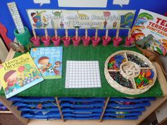 Interactive maths display - counting - harry and the bucketful of dinosaurs Dinosaurs Preschool, Dinosaur Activities, Dinosaur Crafts, Preschool Activities, Early Years Maths, Early Years Classroom, Early Math, Maths Display, Interactive Display