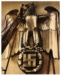 Third Reich golden Nazi eagle from Thule Society, Ddr Brd, Ww2 German, Germany Ww2, The Third Reich, Expositions, Luftwaffe, World War Two, Socialism