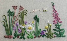 Getting to Know Brazilian Embroidery - Embroidery Patterns Diy Embroidery Patterns, Hand Embroidery Projects, Creative Embroidery, Embroidery Applique, Floral Embroidery, Cross Stitch Embroidery, Textiles, Brazilian Embroidery, Sewing Stitches