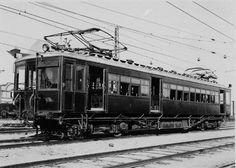 Histórias com História: 160 ANOS DE COMBOIOS EM PORTUGAL Cascais, Bonde, Poster Pictures, Lisbon Portugal, Train Station, Model Trains, All Over The World, Past, Posters