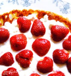 Crêpe with strawberries  #strawberry #strawberries #crepe #pancake #cream #dessert #fruits #yum #cheese #Crêpe