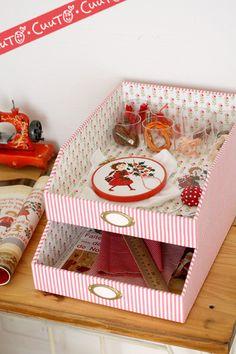 クロスステッチのクリスマスガーランド の画像|カルトナージュのアトリエCuuTO(キュート)・井上ひとみのかわいいこと日記