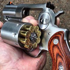 #WheelgunWednesday from @oilthegun #Repost @oilthegun ・・・ FULL MOONclip #Ruger #RugerRedhawk #GunOwnersofAmerica #GOA #NRA #357magnum #Revolver #gunsofinstagram #gunsofig #gunrights #gunporn #2ndamendment #pewpew #molonlabe #2A #gunsallowed #wheelgun #beastmode #beast