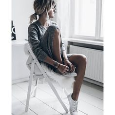 Grey knit dress and white sneakers Grey Fashion, Spring Fashion, Womens Fashion, Grey Knit Dress, Just Style, Fall Winter Outfits, Everyday Look, White Sneakers, Clothes