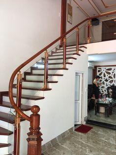 Bạn đang có ngôi biệt thự đáng mơ ước đã hoàn thiện gần xong, vậy phần cầu thang bạn đang phân vân có bao nhiêu mẫu cầu thang đẹp cho bạn lựa chọn. Hãy cùng tìm hiểu nhé