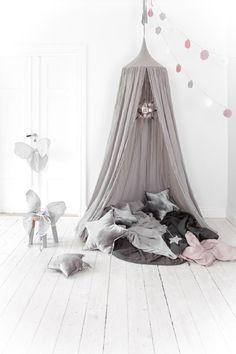 Idées déco : Un ciel de lit pour une chambre bohème et cosy   DecoCrush
