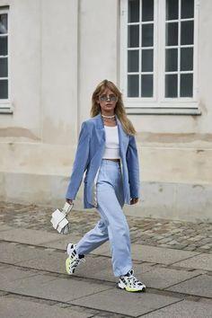 Blazers Were a Street Style Favorite at Copenhagen Fashion Week - Fashionista Plus: The buddy system, but make it fashion. Seoul Fashion, Paris Street Fashion, Foto Fashion, Berlin Street Fashion, Korea Fashion, Fashion Shoot, Fashion Fashion, Editorial Fashion, Runway Fashion