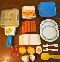 love this vintage Fisher Price breakfast set. I had it as a kid. Want it