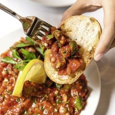 Scharfe Paste mit Tomaten und Paprika – türkische Meze Spicy paste with tomatoes and peppers – Turkish meze recipe Healthy Eating Tips, Healthy Nutrition, Healthy Recipes, Meze Recipes, Krups Prep&cook, Broth Fondue Recipes, Melting Pot Recipes, Fondue Restaurant, Spareribs