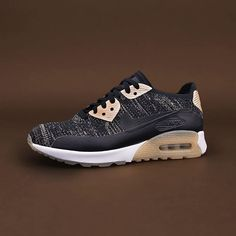 Nike Wmns Air Max 90 Ultra Flyknit, där har ni en snygg, skön och högteknologisk sko i en och samma sko! Finns i butiken på Östra Ågatan i Uppsala samt på footish.se #nike #airmax90ultra #airmax90 #vårskor #vårkänslor #uppsala #footish