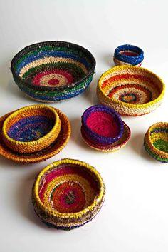 Tjanpi Desert Weavers Aboriginal Symbols, Aboriginal Artwork, Aboriginal Artists, Basket Weaving, Hand Weaving, Woven Baskets, Indigenous Australian Art, Diy And Crafts, Arts And Crafts