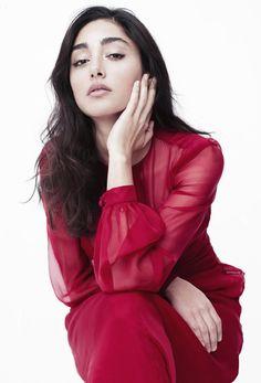 Golshifteh Farahani pictures from the web 3 Iranian Actors, Iranian Women, Iranian Art, Pretty People, Beautiful People, Iranian Beauty, Persian Beauties, Persian Girls, Persian Culture