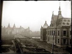 The Stedelijk Museum in its opening year 1895 with the Rijksmuseum in the background, photographer Jacob Olie, City Archives Amsterdam New Amsterdam, Interesting Buildings, 1 Place, Ol Days, Holland, Old Pictures, Barcelona Cathedral, Netherlands, Museum