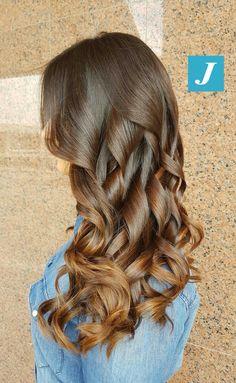 Sfumature ipernaturali e femminili di Degradé Joelle! #cdj #degradejoelle #tagliopuntearia #degradé #igers #musthave #hair #hairstyle #haircolour #longhair #ootd #hairfashion #madeinitaly