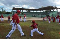 La tercera escuela de béisbol que tienen un contacto directo los instructores de los Piratas de Campeche, fueron los alumnos del centro de e...