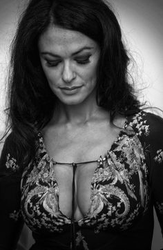 Maria Grazia, Most Beautiful Women, Movie Stars, Close Up, Abs, Glamour, Black And White, Amazing, Sexy