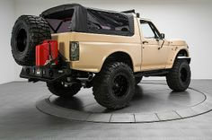 """""""Operation Fearless"""" Ford Bronco Pays Tribute to Navy Seal Hero [Photo Gallery] - autoevolution for Mobile Ford Bronco Ii, Old Bronco, Early Bronco, Broncos Pictures, Bronco For Sale, Truck Accesories, Ford Pickup Trucks, Ford 4x4, Trucks"""