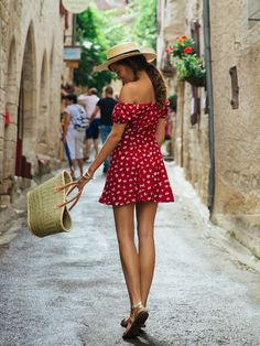 68 Awesome Summer French Street Style Looks Idea - Fashionetter Paris Mode, Summer Outfits, Cute Outfits, Summer Dresses, Summer Ootd, Dresses 2016, Summer Chic, French Street Fashion, British Fashion