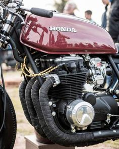 "rdzphotography: ""Aff Motos 2 by More on this beauty, the named Haiku and made by for Ezequiel. Cafe Racer Honda, Cb 750 Cafe Racer, Cafe Racer Parts, Cafe Bike, Cafe Racer Bikes, Cafe Racers, Motos Honda, Honda Bikes, Honda Cb750"