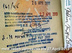 mein neues Visa für 1 Jahr bis Ende April 2013, so sieht eine thailändische Aufenthaltserlaubnis aus für Ausländer die dauerhaft in Thailand leben. Thailand hat eines der strengsten Visavorschriften auf der Welt. Jedesmal müssen eine Menge Dokumente 2 fach vorgelegt werden und die Prüfung dauert circa einen Monat es gibt keine Garantie ob man sie bekommt oder nicht.
