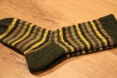 Socks, Knitting, Colors, Tricot, Breien, Sock, Stricken, Weaving, Knits