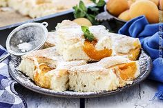 prajitura cu caise4 Cornbread, Camembert Cheese, Dairy, Healthy, Ethnic Recipes, Desserts, Blog, Cakes, Floral