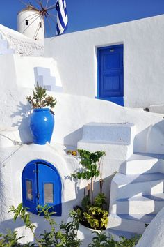 Santorini, Greece Love the Cobalt and White... Was in Greece and remember every home and building were white.. beautiful.